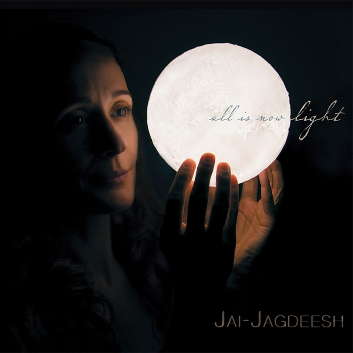 "Jai-Jagdeesh, la gran embajadora de la música Mantra, presenta su nuevo  álbum ""All Is Now Light""."